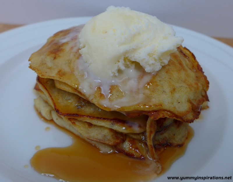 Easy Banana Pancakes (With Just 2 Ingredients!)