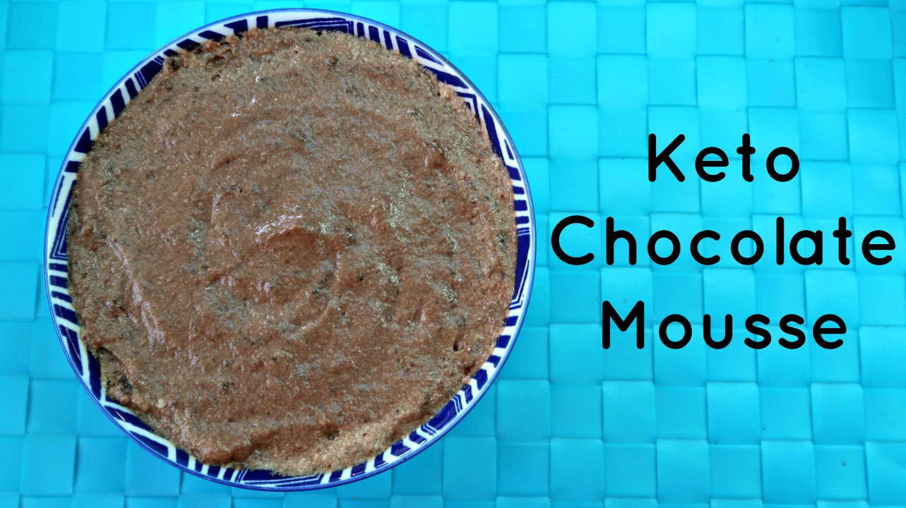 Keto Chocolate Mousse Recipe - Keto Dessert Recipes - Easy low carb chocolate mousse with only 4 ingredients. Full recipe + video tutorial.