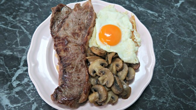 Steak and Eggs Breakfast - A Simple and Hearty Low Carb Keto Breakfast